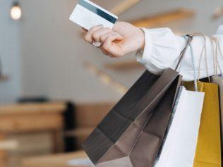 Achats à l'étranger : quelles limitations et quelles taxes douanières ?