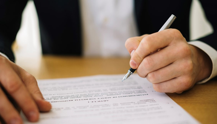 Nullité du contrat conclu pendant la période suspecte : à quoi le salarié a-t-il droit ?