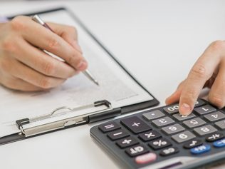 L'indemnité d'éviction calculée sous déduction des revenus de remplacement est soumise à cotisations
