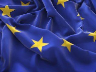 L'Union européenne adopte deux directives en matière de contrats de vente de biens et de contrats de fourniture de contenus et services numériques