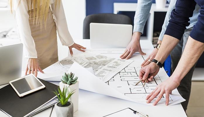 Une entreprise de construction peut facturer des frais qui n'étaient pas prévus par le devis initial