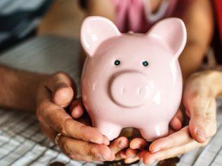 Le règlement de la taxe d'habitation permet la conservation d'un immeuble indivis, et doit donc être supporté par les deux ex-époux