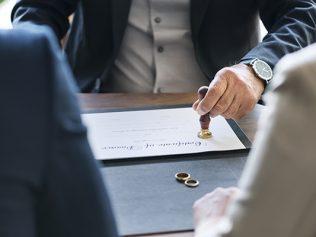 Divorce par consentement mutuel par acte d'avocat : précisions utiles concernant le statut de l'état liquidatif
